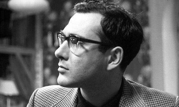 Harold Pinter en el Armchair Theatre, 1960. «Es esa sensación de que de por algún motivo no ha hecho los deberes, que ese club no es par a ti». Fotografía: FremantleMedia/Rex